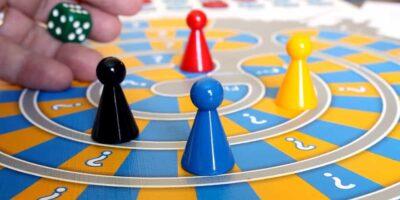 A családi társasjáték egyszerre fejleszt és szórakoztat